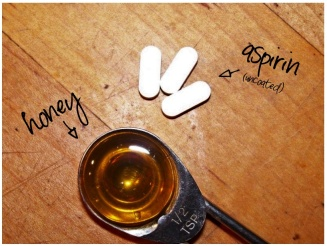 DIY-HONEY-ASPRIN-FACE-MASK